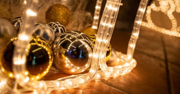 Weihnachtliche Deko am Schloss Möhler