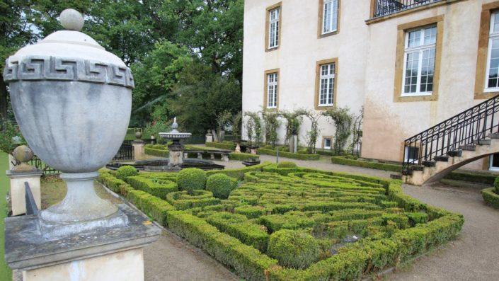 Barockgarten mit Buchsbaum