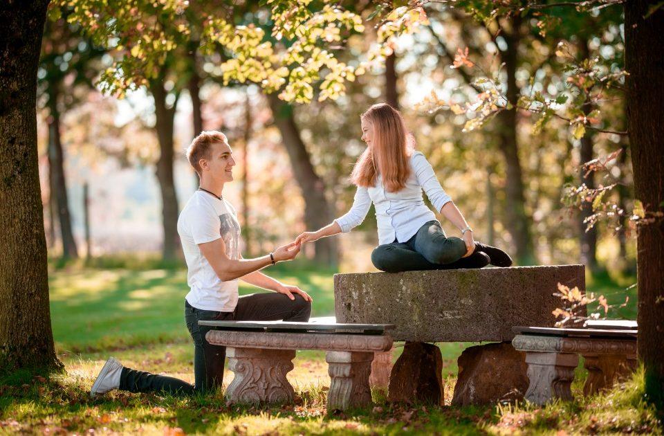 Romantischer Heiratsantrag auf Schloss Möhler