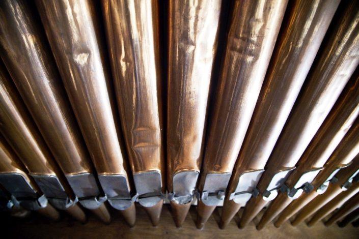 Orgelpfeifen im Gewölbekeller der Location Schloss Möhler